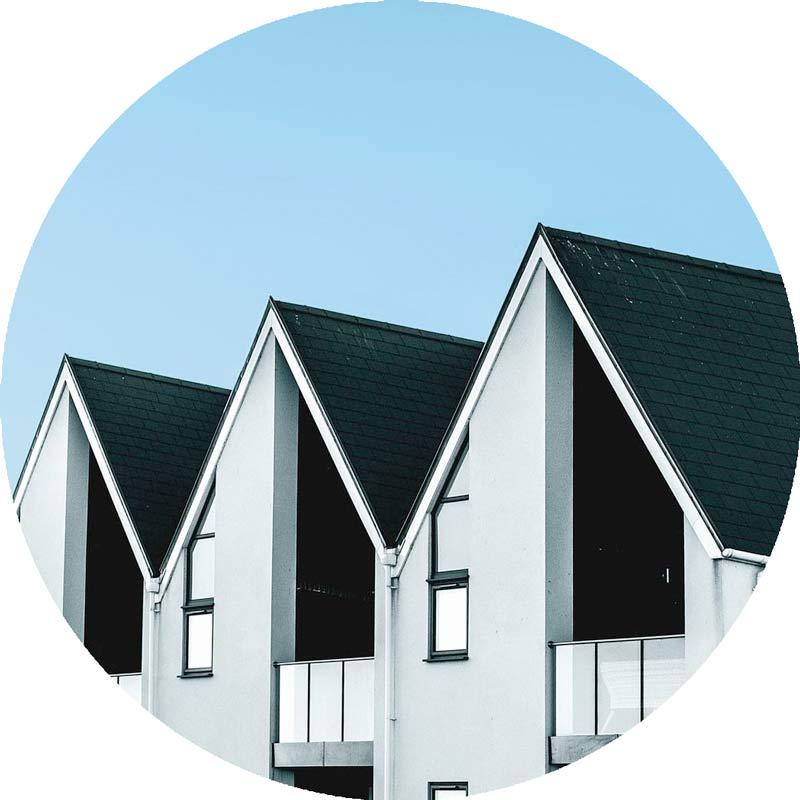 Reihenhäuser mit Steildach nach Dachsanierung