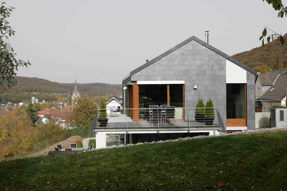 rechteck-doppeldeckung-schiefer-rathscheck-wohnhaus-1