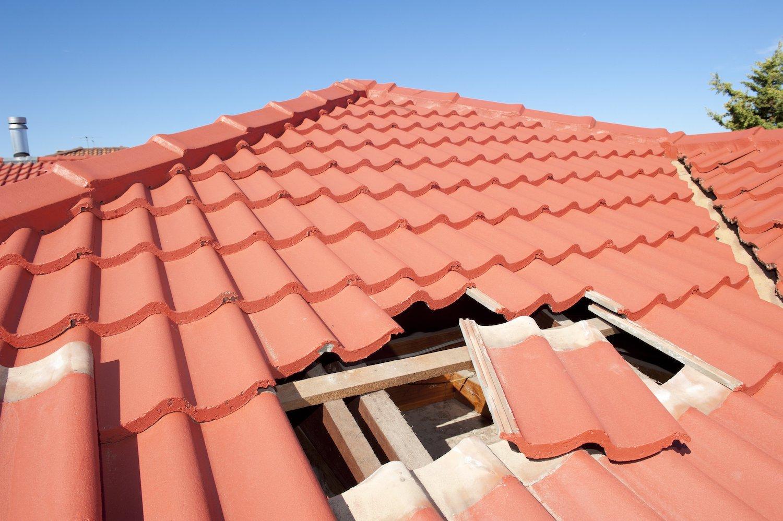 Dachinspektion durch den Dachdecker: Die häufigsten Fragen